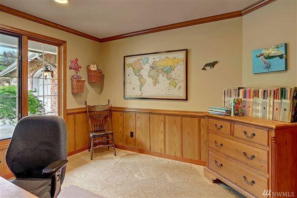 Luxury properties Nicely remodeled in desirable Hunters Glen