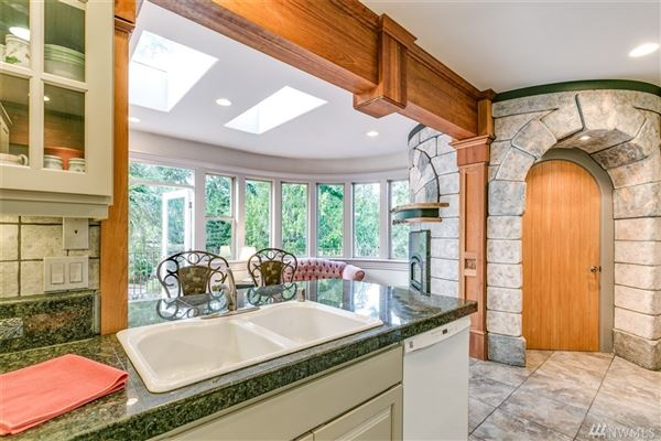 Contemporary Northwest inspired dream home luxury properties