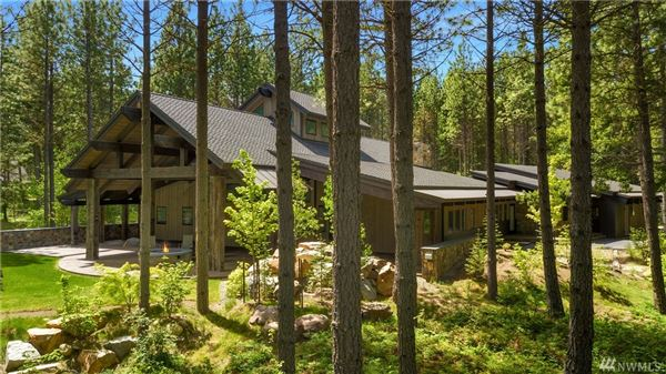 Luxury homes luxurious Mountain Lodge Living