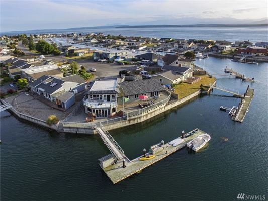 custom home in Lagoon Point Estates  luxury properties