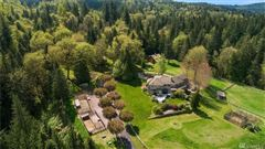 Luxury homes in a very special COUNTRY estate
