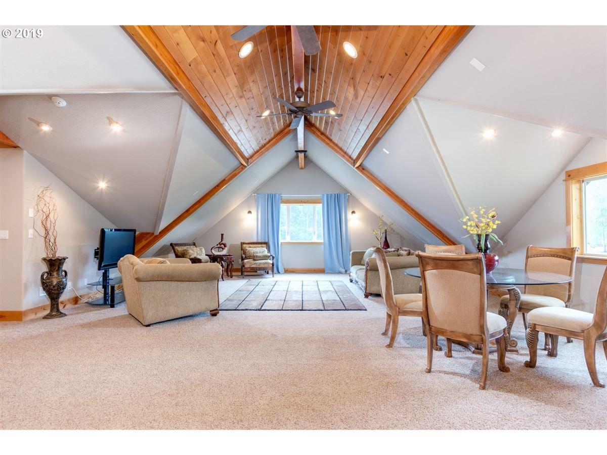 Luxury homes in gorgeous 10-plus acre estate