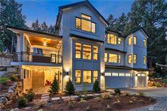 New construction Modern Farmhouse mansions