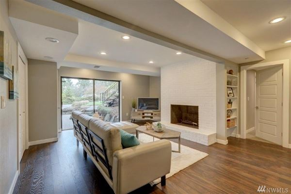 Luxury homes Beautiful remodeled mid-century home