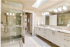 Luxury homes Enjoy Living Life Majestically
