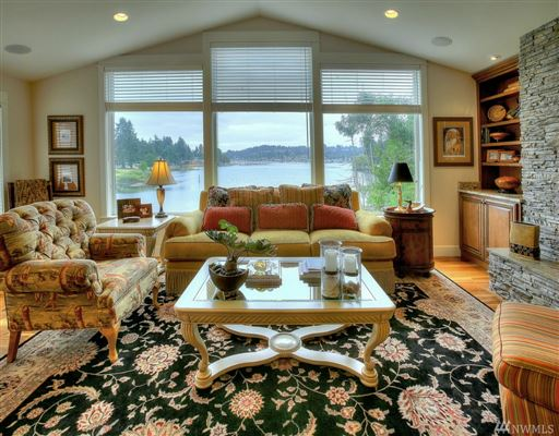 waterfront property in the historical district luxury homes