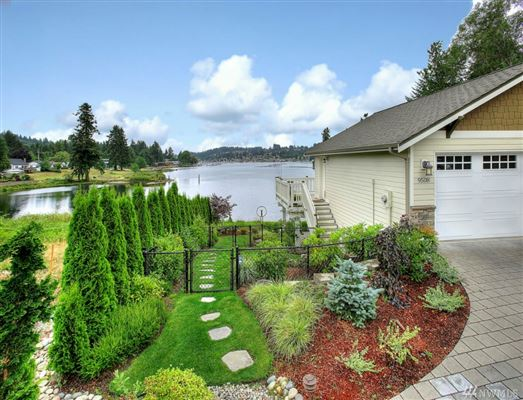 waterfront property in the historical district luxury real estate