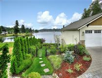 Luxury homes waterfront property in the historical district
