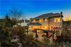 Luxury homes in Luxurious renovated modern craftsman home