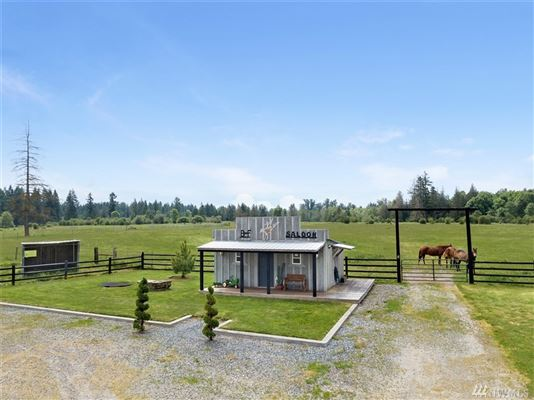 Country living at its finest luxury homes