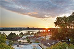 Luxury homes in AMAZING western views of Seattle