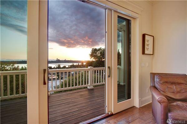 Luxury homes AMAZING western views of Seattle
