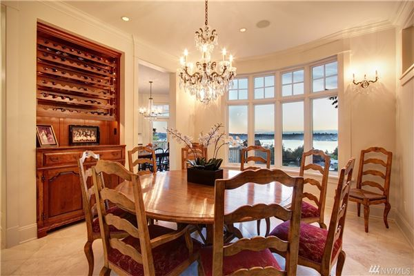 Luxury properties AMAZING western views of Seattle