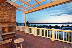 Luxury real estate AMAZING western views of Seattle