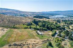 Over 12-acre versatile property luxury homes