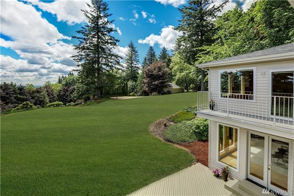 Mansions in spacious home in issaquah