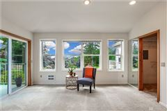 spacious home in issaquah mansions