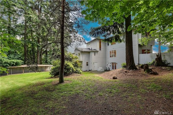spacious home in issaquah luxury homes