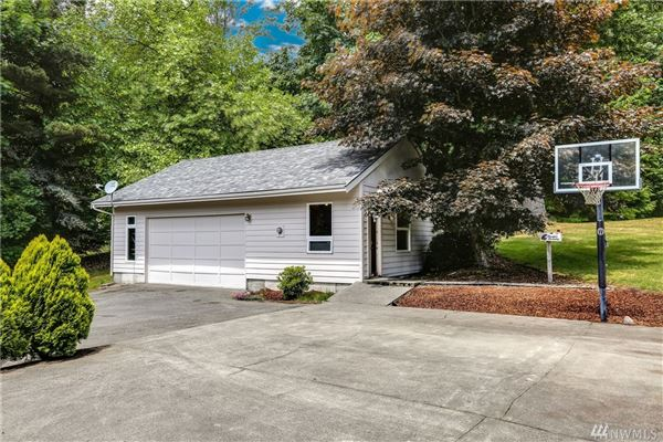 spacious home in issaquah luxury real estate