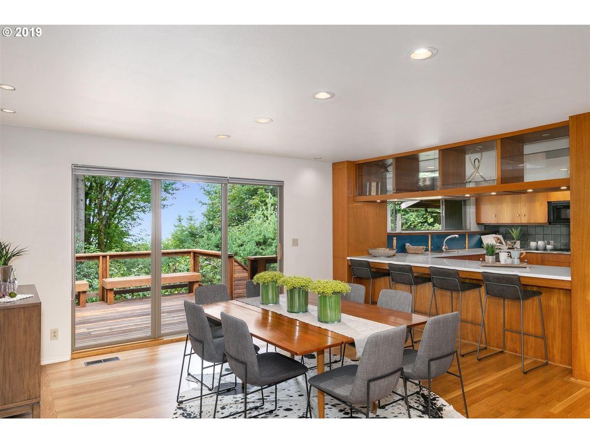 Luxury real estate Mid-century modern home on 10-plus beautiful acres