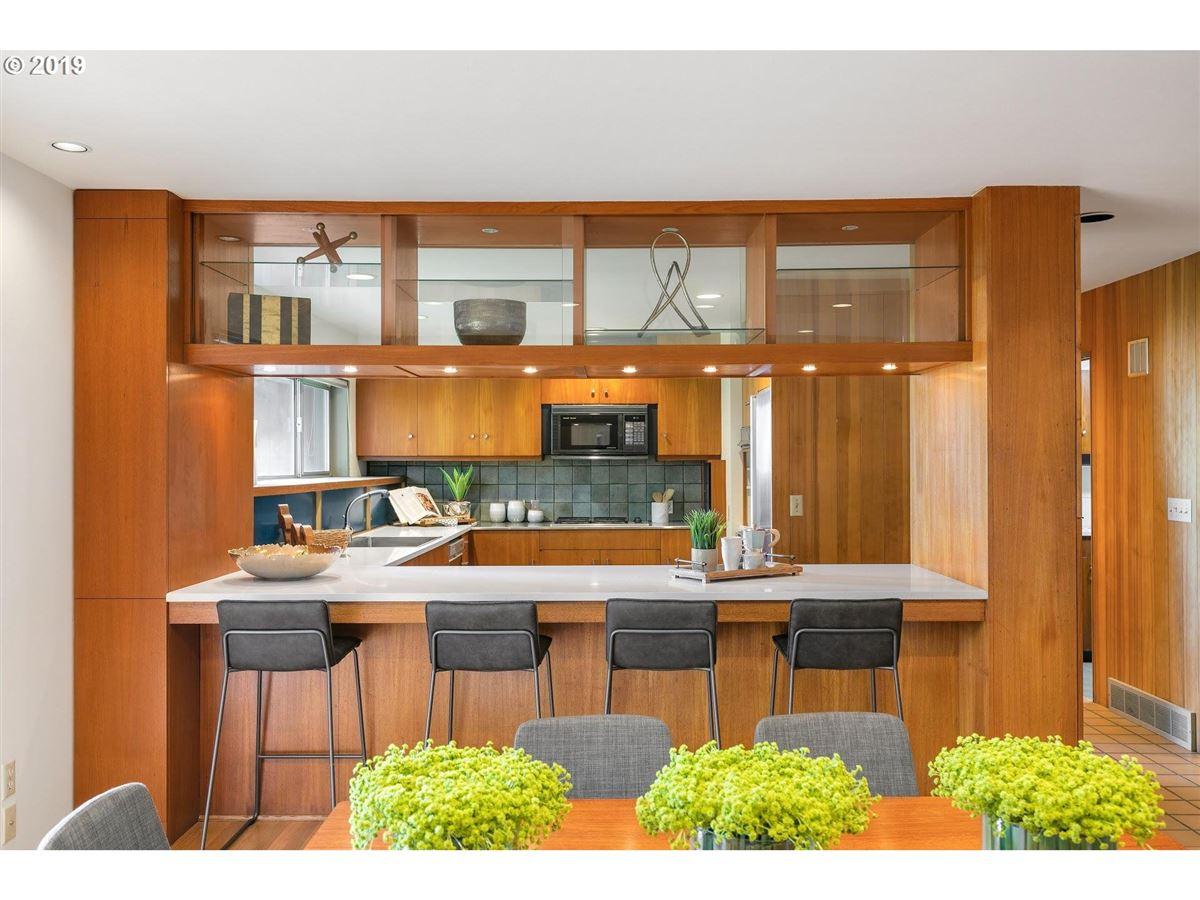 Mid-century modern home on 10-plus beautiful acres luxury real estate