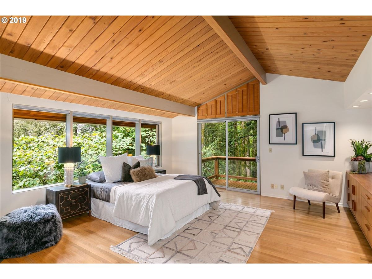 Mansions Mid-century modern home on 10-plus beautiful acres