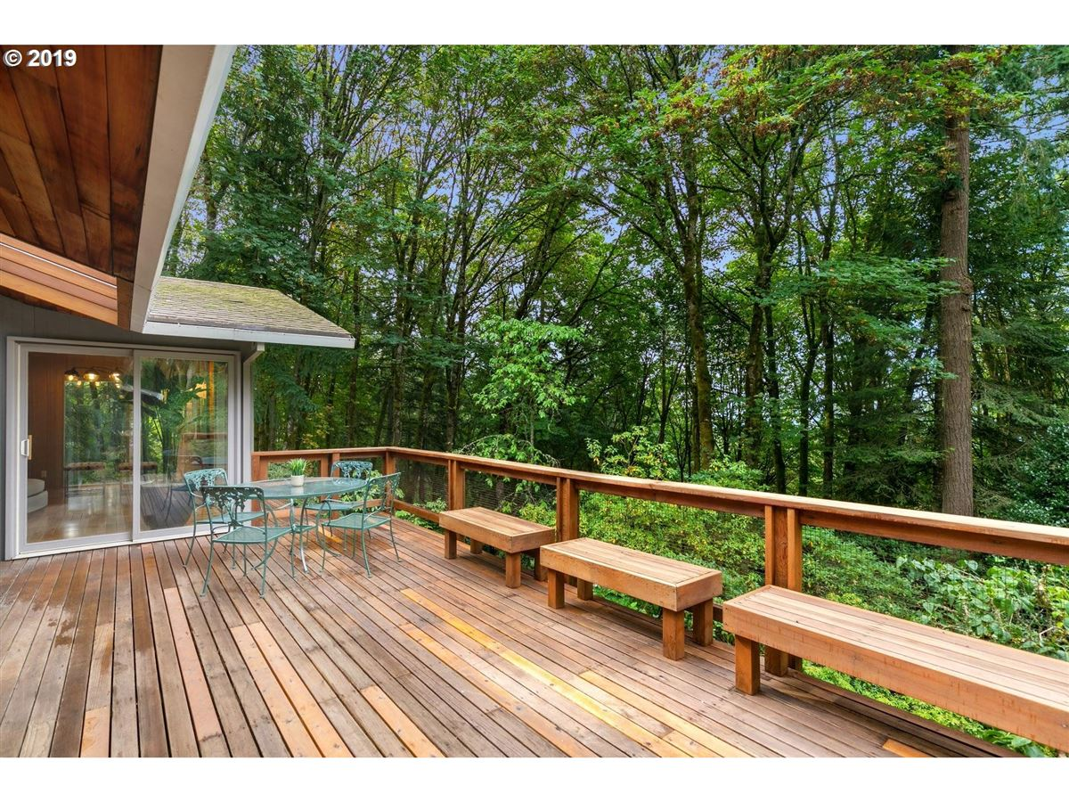 Luxury homes Mid-century modern home on 10-plus beautiful acres