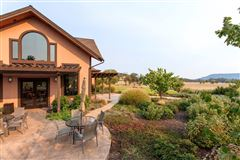 Award winning Winery and Vineyard property luxury properties