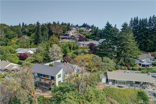 Fantastic views of Puget Sound luxury properties
