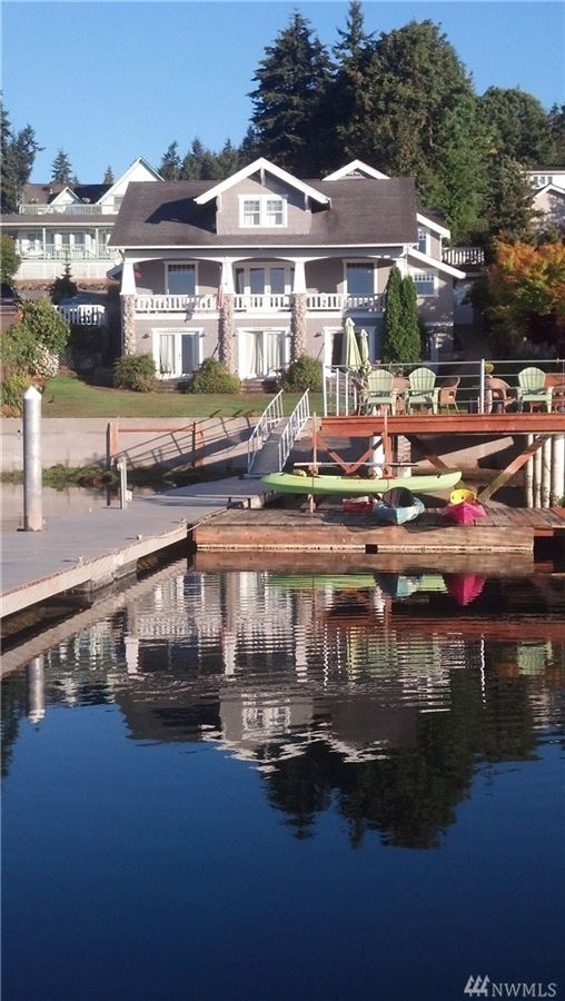 a Premier Gig Harbor Bay location luxury properties