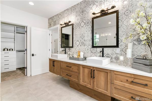 Luxury homes new custom home in the heart of Clyde Hill
