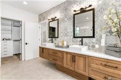 new custom home in the heart of Clyde Hill luxury properties