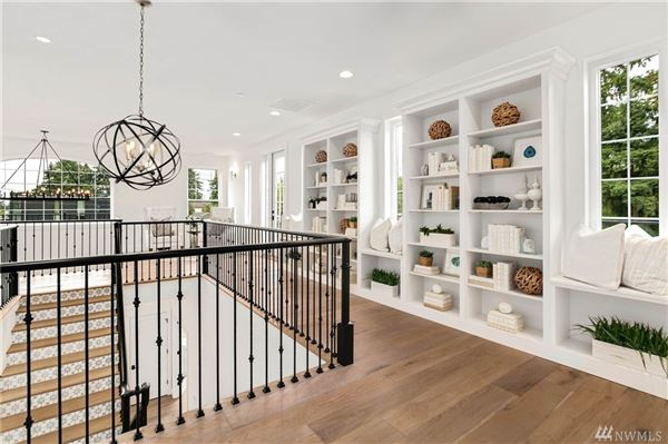 Luxury real estate new custom home in the heart of Clyde Hill
