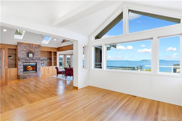 Luxury homes Incredible home features gorgeous unobstructed views