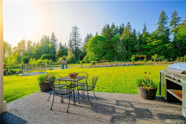 a fantastic blend of Country and Luxury luxury real estate
