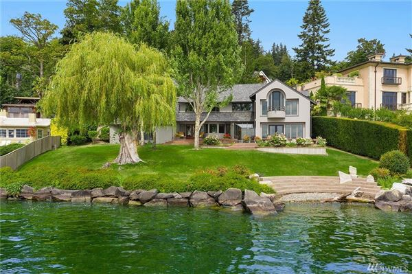 Luxury homes special waterfront home