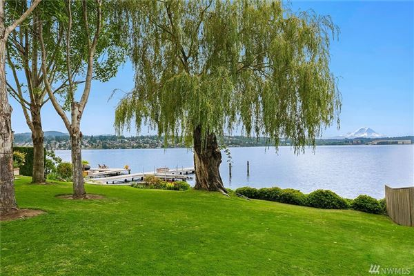 Luxury properties special waterfront home