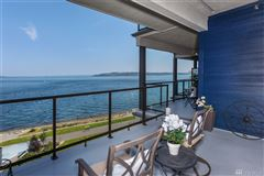 Luxury homes in Waterfront Bliss