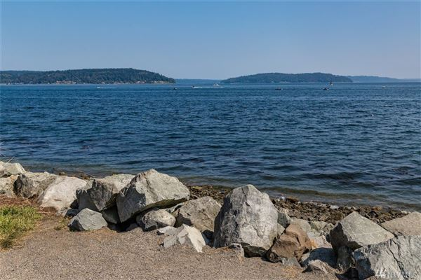 Waterfront Bliss luxury properties