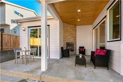 Mansions in new Northwest Contemporary in Edgewood Estates