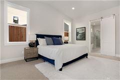 Luxury homes new Northwest Contemporary in Edgewood Estates