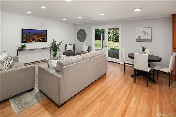 Spacious home in a sought after neighborhood luxury properties