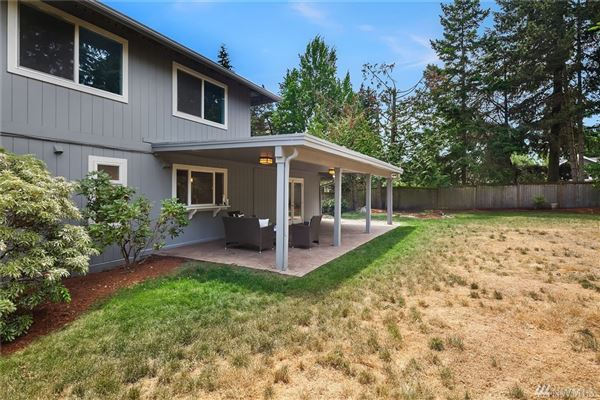 Spacious home in a sought after neighborhood luxury homes