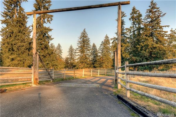Mansions an exceptional 20-acre equestrian property