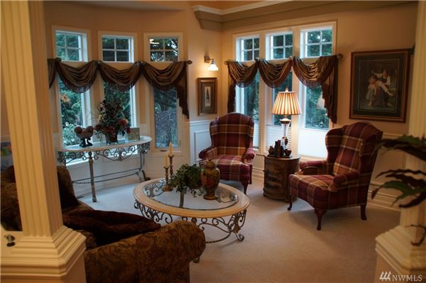 Luxury real estate Gorgeous home on 1.6 acre lot