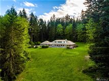 Whidbey Island estate of over 11 acres mansions