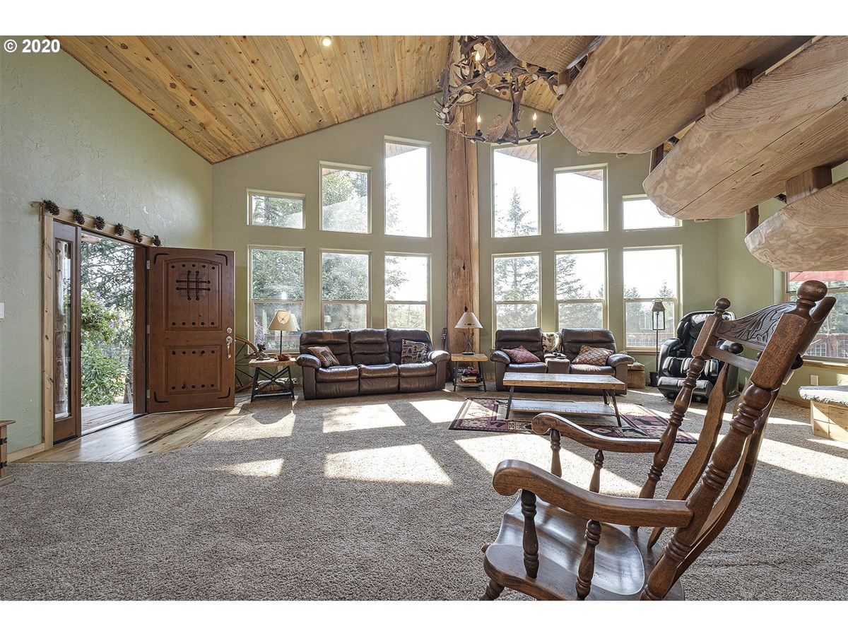 Luxury real estate Gorgeous one of a kind custom built home on over 20 acres