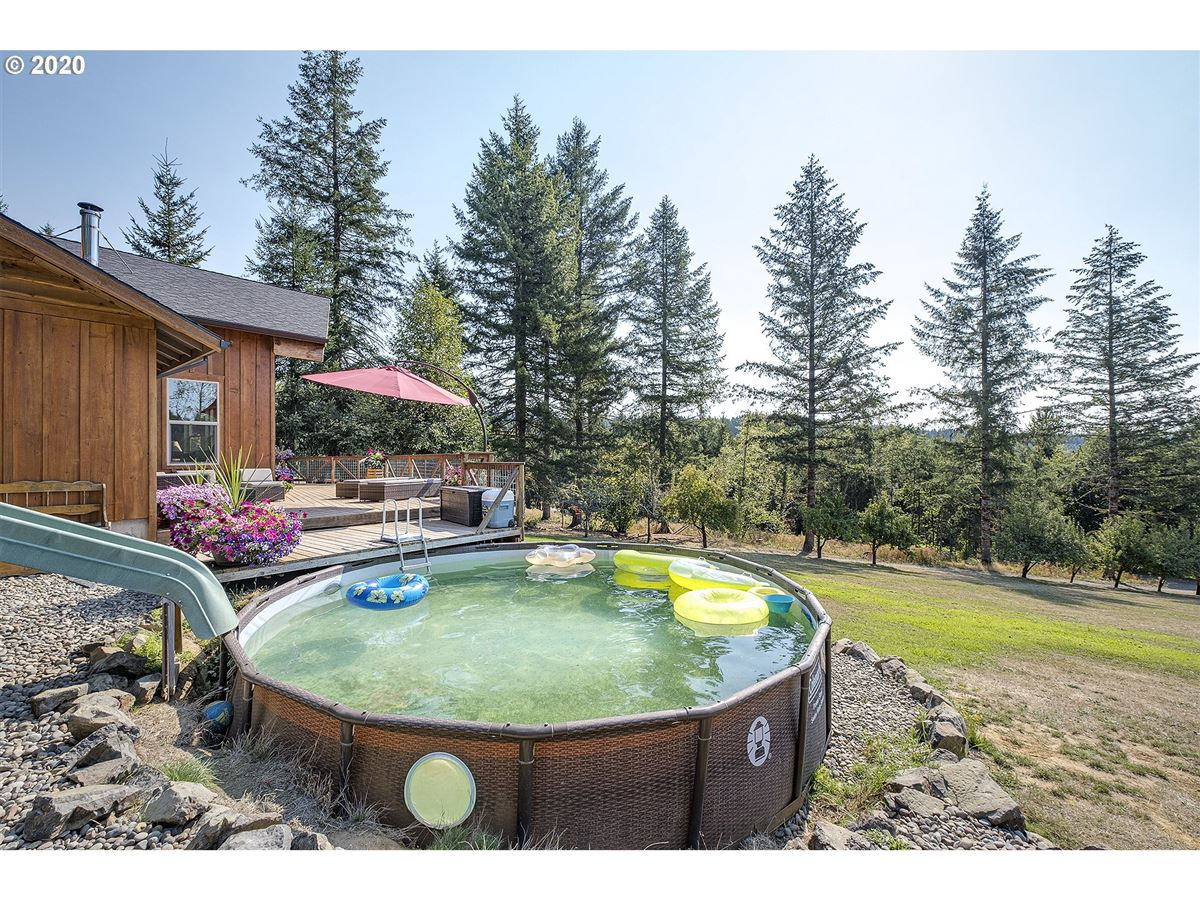 Gorgeous one of a kind custom built home on over 20 acres mansions