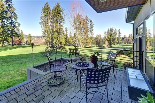 home on the 14th fairway of Inglewood Golf Club luxury properties