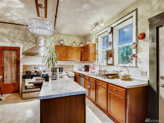 Luxury homes a Piece of History in Kirkland